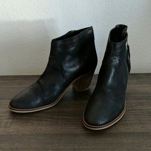 Urban Outfitters Black Booties Size 9